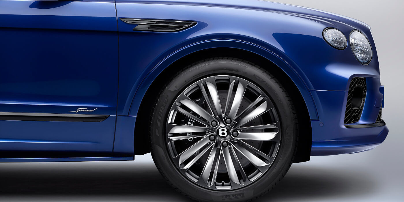 new-moroccan-blue-bentley-bentayga-speed-front-wheel-and-blackware